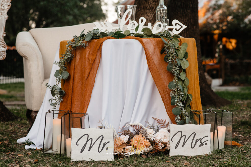 mr and mrs signs outdoor fall ceremony in austin