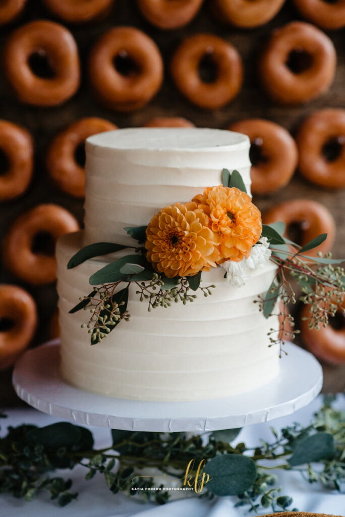 wedding cake and donut stand ideas