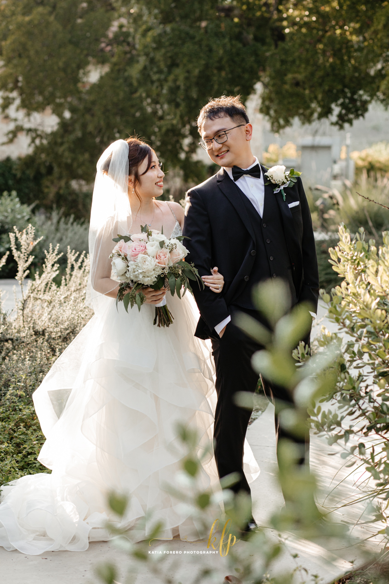 bride groom at garey house